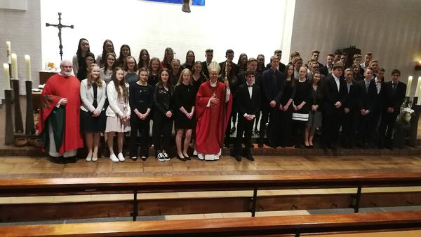 47 Jugendlichen wurde das Sakrament der Firmung durch Weihbischof Dr. Stefan Zekorn in der St.Pankratius-Kirche gespendet