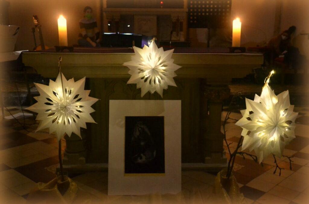Kfd Andacht im Kerzenschein mit besinnlicher Musik in Capelle