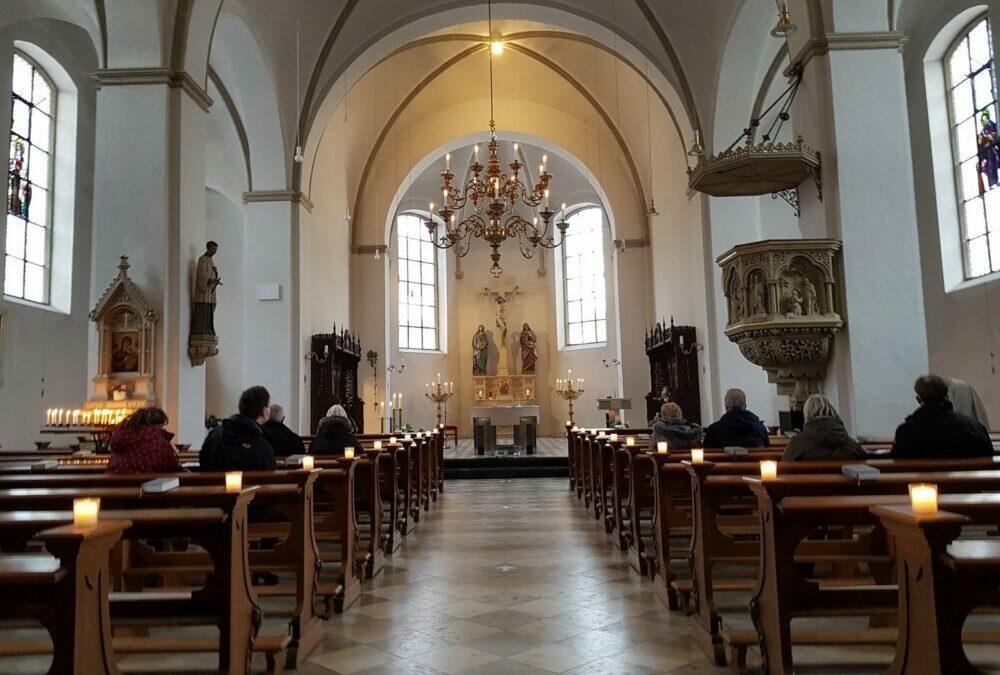 Segnungsandacht zum Valentinstag lockte Paare in die Kirche