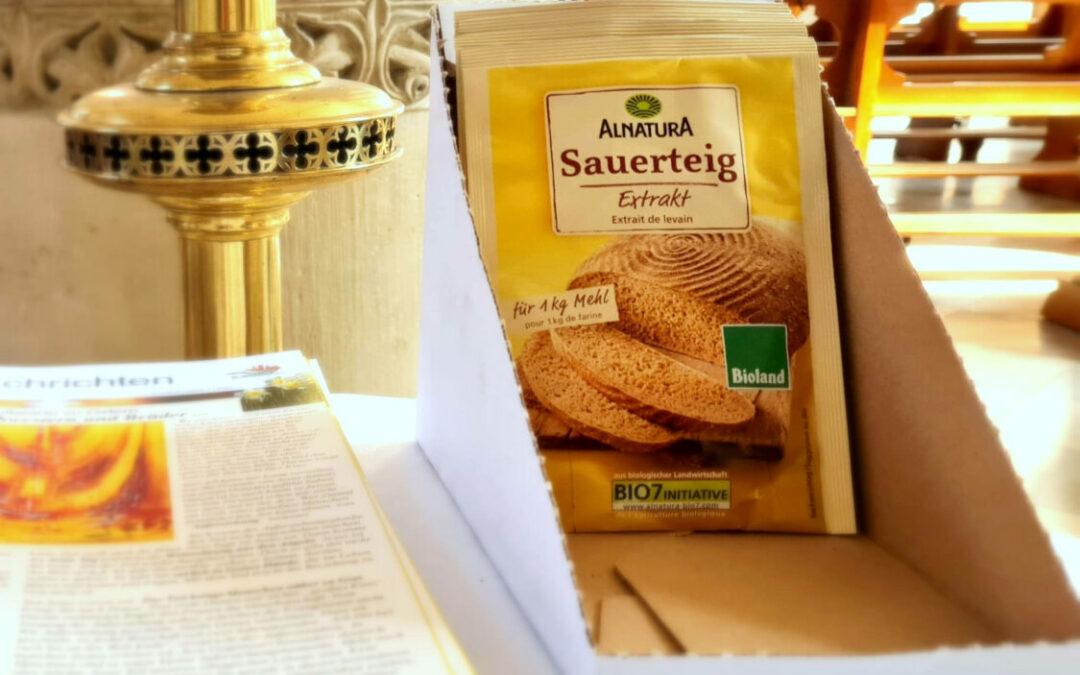 Sauerteig-Brot Tüten in der Kirche
